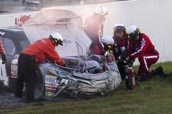 Kyle Busch después de su choque, Joe Gibbs Racing Toyota
