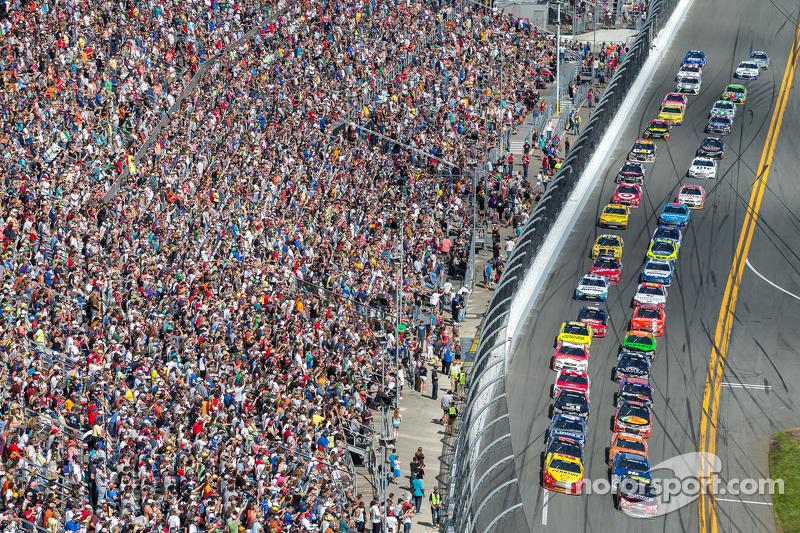 Restart: Jeff Gordon, Hendrick Motorsports, Chevrolet, in Führung