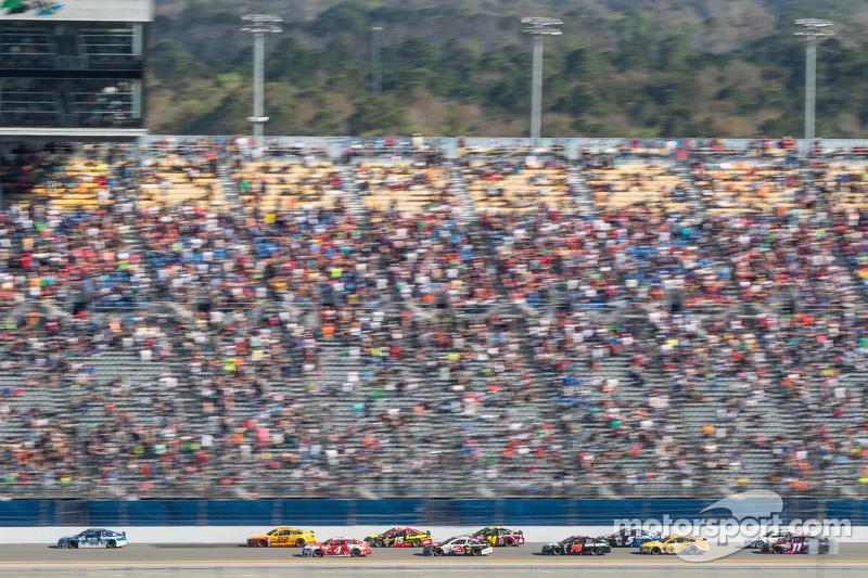 Dale Earnhardt jr., Hendrick Motorsports, Chevrolet, in Führung