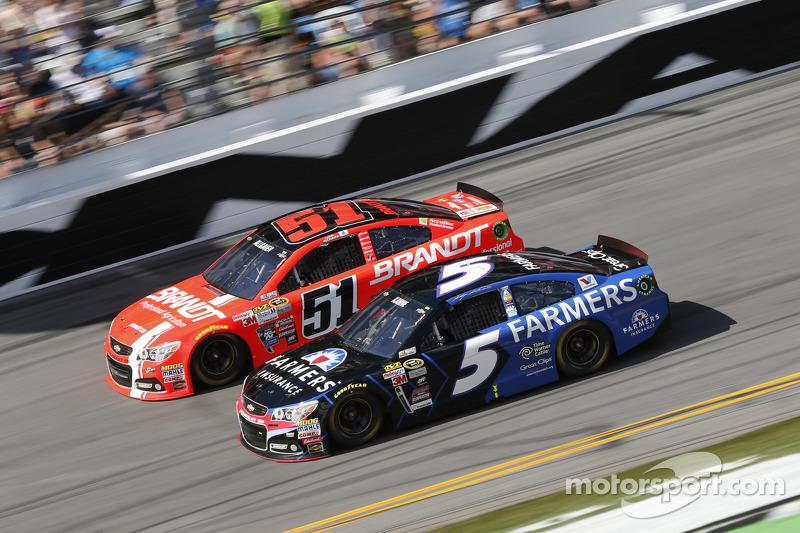 Justin Allgaier, HScott Motorsports, Chevrolet, und Kasey Kahne, Hendrick Motorsports, Chevrolet