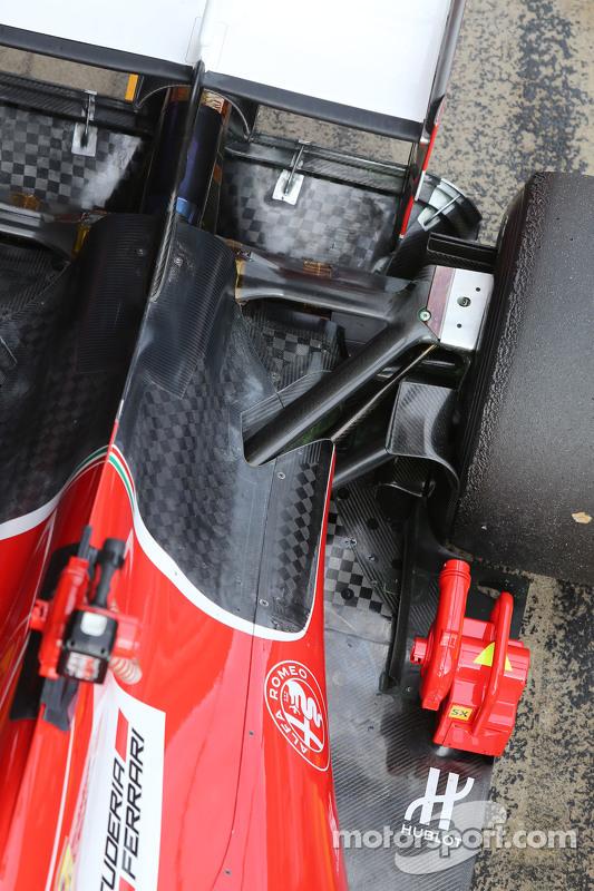 Ferrari SF15-T detalhe da suspensão traseira