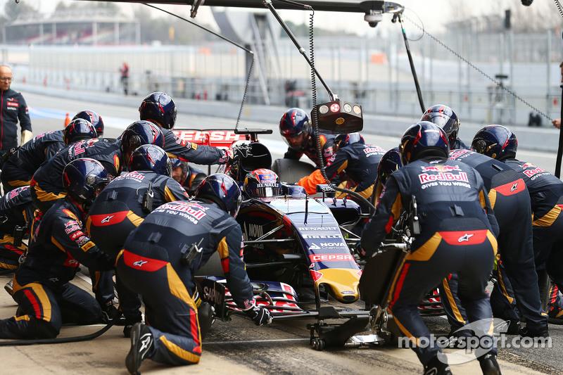 Max Verstappen, Scuderia Toro Rosso STR10, beim Reifenwechsel-Training