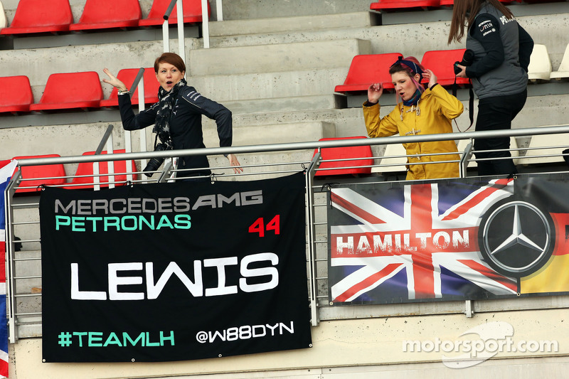 Lewis Hamilton, Mercedes AMG F1 fans and flags