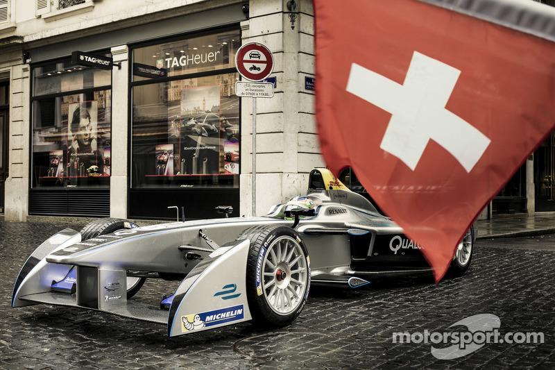 Una Formula E car durante un'apparizione sui media a Ginevra
