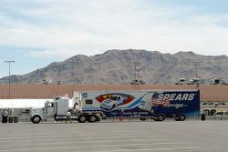 David Starr's transporter arrives