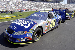 Car of Jimmie Johnson on the starting grid