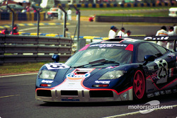 #25 Gulf McLaren F1 GTR: Pierre-Henri Raphanel, Philippe Alliot, Lindsay Owen-Jones