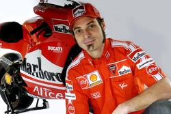 Vittoriano Guareschi with the new Ducati Desmosedici GP6