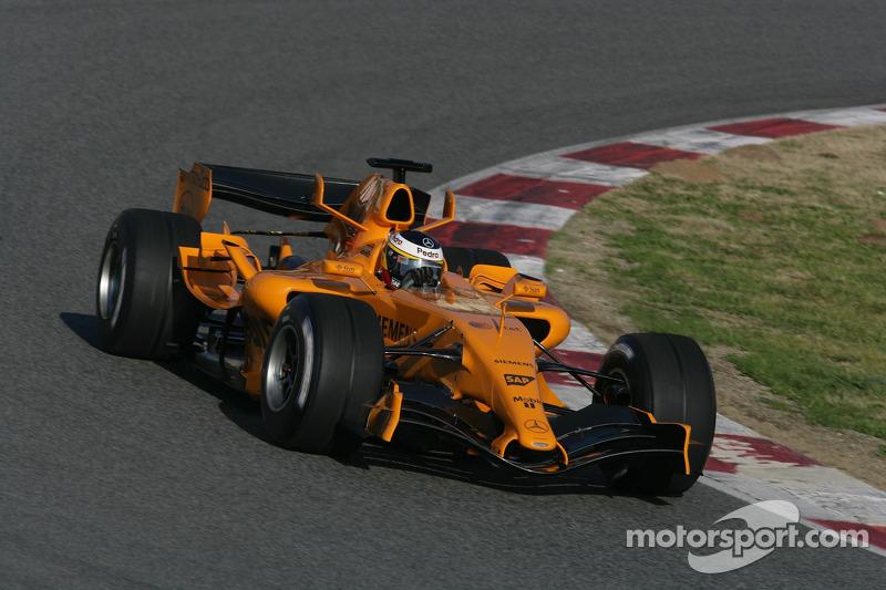 Pedro de la Rosa mengetes McLaren MP4-21 (2006)