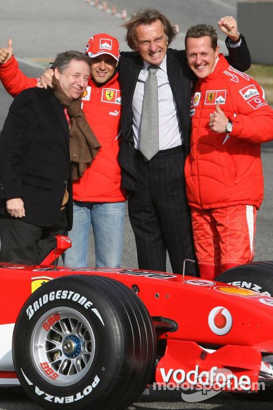 Jean Todt, Felipe Massa, Luca di Montezemelo et Michael Schumacher avec la nouvelle Ferrari 248 F1