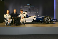 Nico Rosberg, Frank Williams and Mark Webber with the new Williams FW28