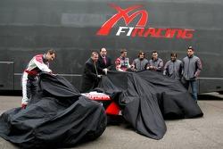 Christijan Albers, Tiago Monteiro, Alex Schnaider ve Colin Kolles unveil MF1 Racing M16