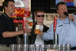 Budweiser Bistro event: Dale Earnhardt Jr. prepares glasses of beer