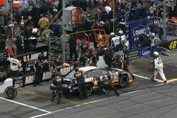 Pitstop for Joe Nemechek