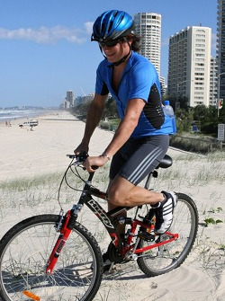 Red Bull fitness training in Surfers Paradise: physiotherapist Jerome Poupel