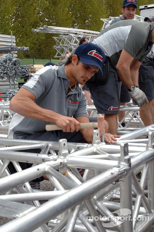 Réglage de Red Bull et garage: Vitantonio Liuzzi aide à la construction de l'équipe samedi