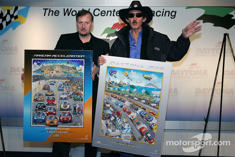 L'artiste de la NASCAR Charles Fazzino en conférence de presse: Charles Fazzino et Richard Petty