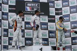 1st: Andy Priaulx; 2nd: Jorg Muller; 3rd: Jordi Gene