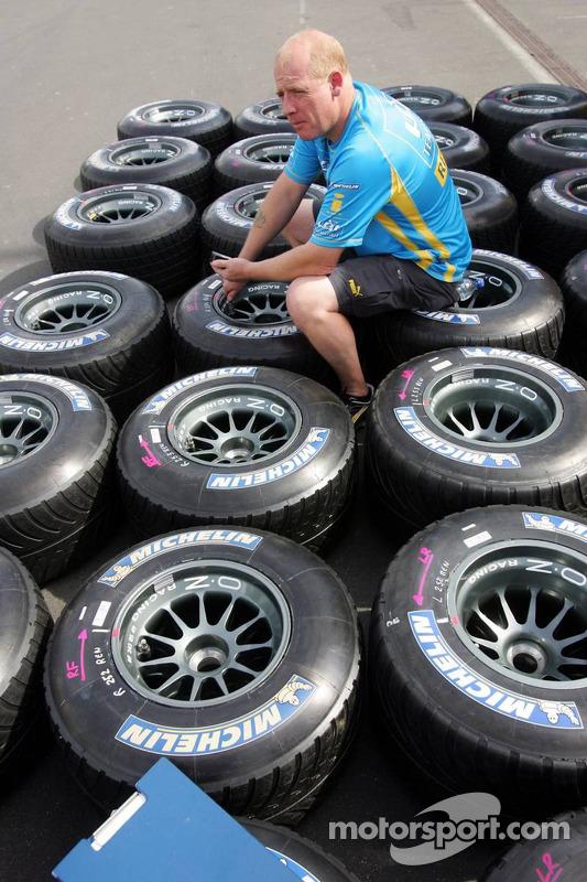L'équipe Renault F1 avec des pneus Michelin