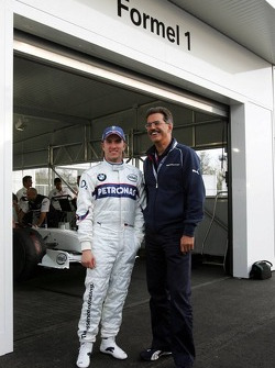 Visit of BMW Sauber F1 team Pitlane Park: Nick Heidfeld and Dr. Mario Theissen