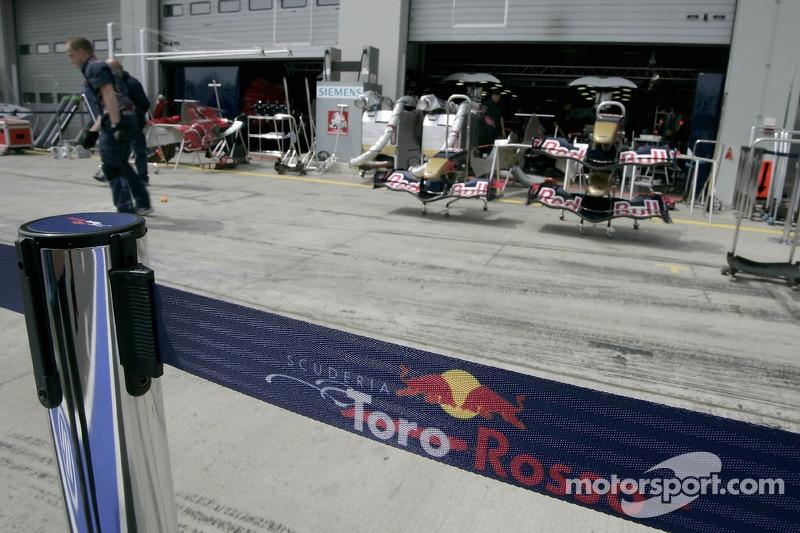 Le nez des voitures Scuderia Toro Rosso