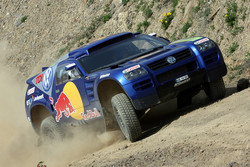 Volkswagen participates in other motorsport series... With other partners...