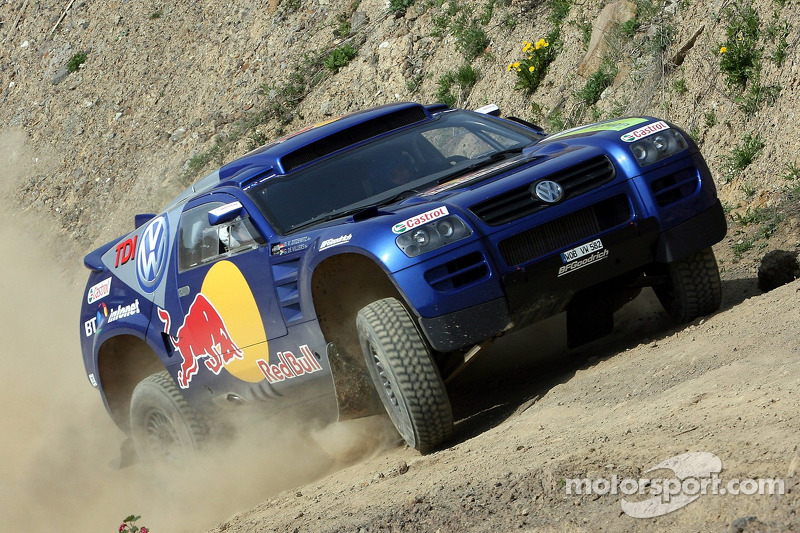 Red Bull: David Coulthard et Giniel de Villiers dans un Volkswagen Touareg