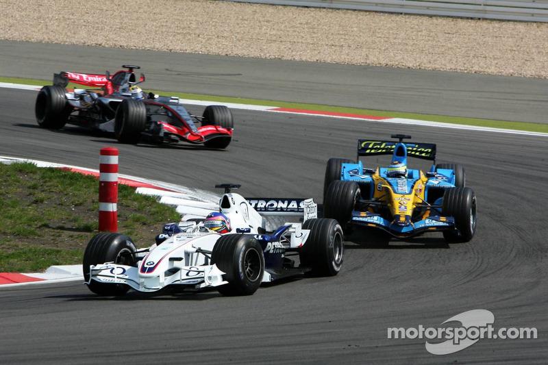 Jacques Villeneuve devant Giancarlo Fisichella et Juan Pablo Montoya