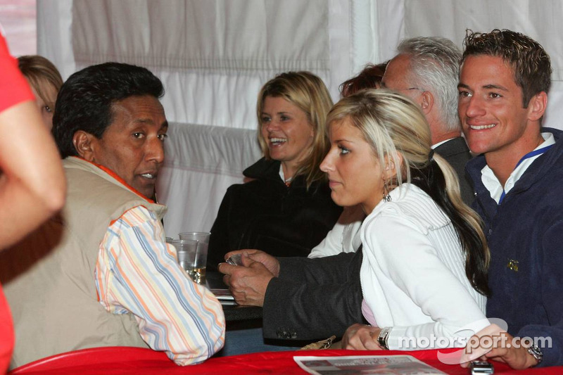 Balbir Singh, Corina Schumacher, Sebastian Stashl et sa petite amie Sarah