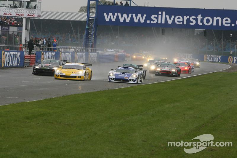 Départ: #4 GLPK-Carsport Corvette C6R: Bert Longin, Anthony Kumpen, Mike Hezemans