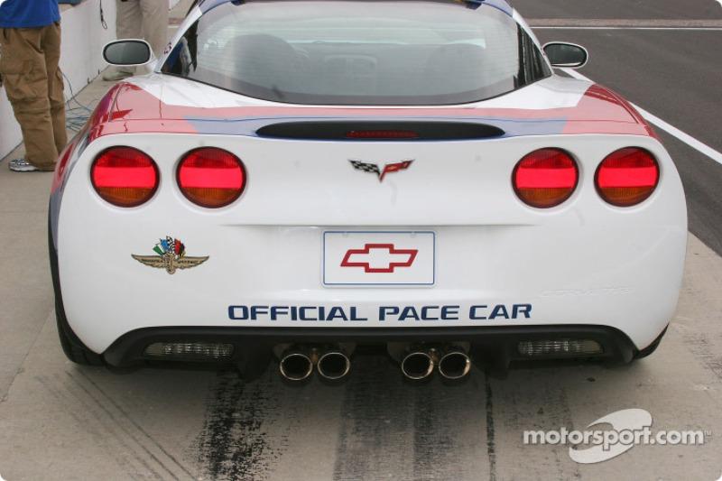 Voiture de chauffe pour la 90e édition des Indianapolis 500