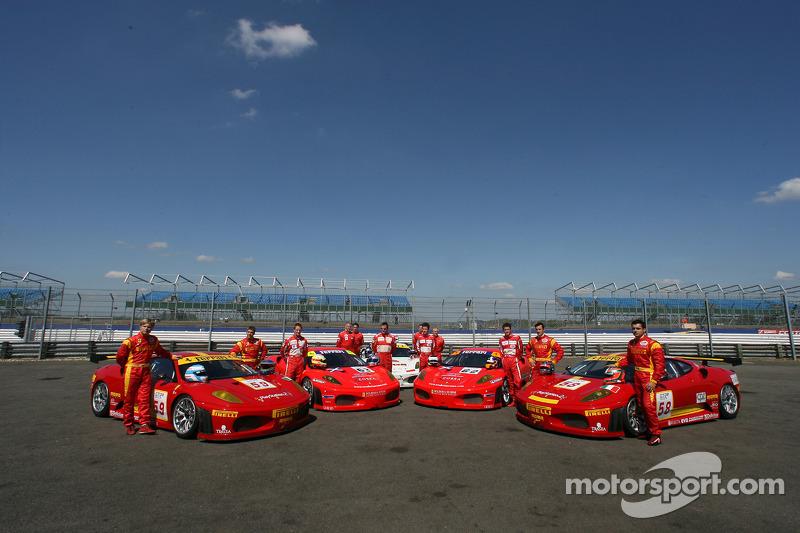 Séance photos de l'équipe Scuderia Ecosse