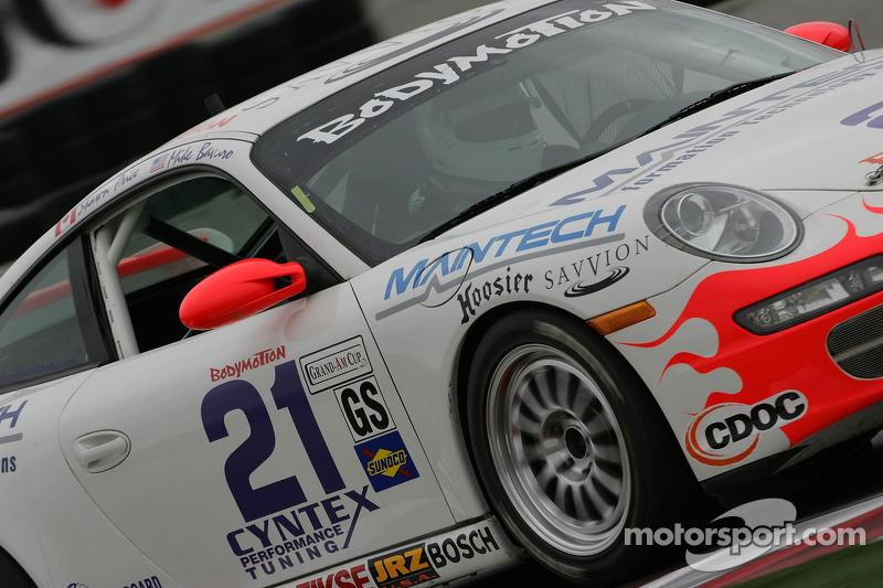 #21 Bodymotion Racing Porsche 997: Michael Bavaro, Shawn Price