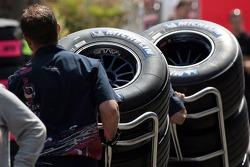 A Scuderia Toro Rosso member with Michelin tires