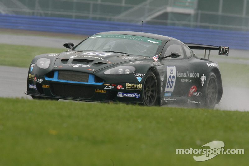 #66 Barwell Motorsport Aston Martin DBRS9: Piers Johnson, Martin Rich