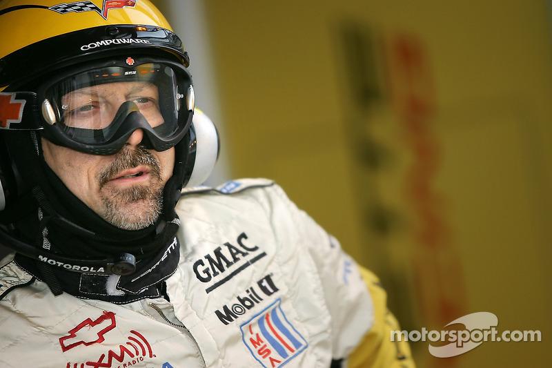Un membre de l'équipe Corvette Racing