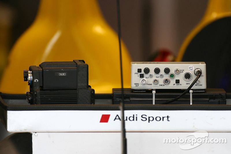 Electronic equipment at Audi Sport Team Joest