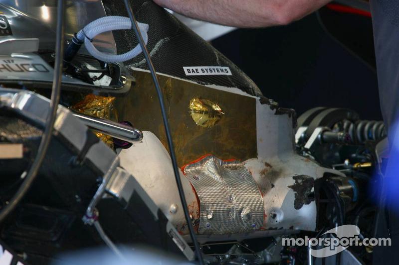 Détail du moteur de Mercedes