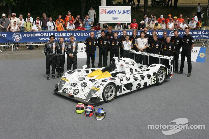 Jan Lammers, Alex Yoong, Stefan Johansson, et l'équipe Racing for Holland avec Racing for Holland Dome Mugen