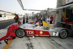 #7 Audi Sport Team Joest Audi R10 in trouble