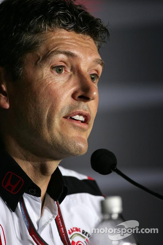 Conférence de presse de la FIA: Nick Fry