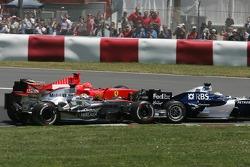 Start: Juan Pablo Montoya, Nico Rosberg and Michael Schumacher