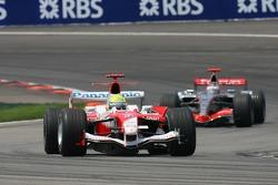 Formation lap: Ralf Schumacher and Kimi Raikkonen
