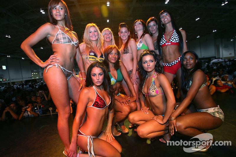 Grand Prix de l'Expo Auto de Toronto : de belles finalistes au concours de bikini