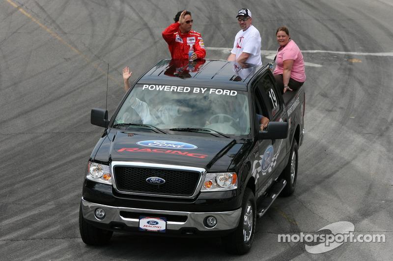 Pilotes de la parade : Mario Dominguez