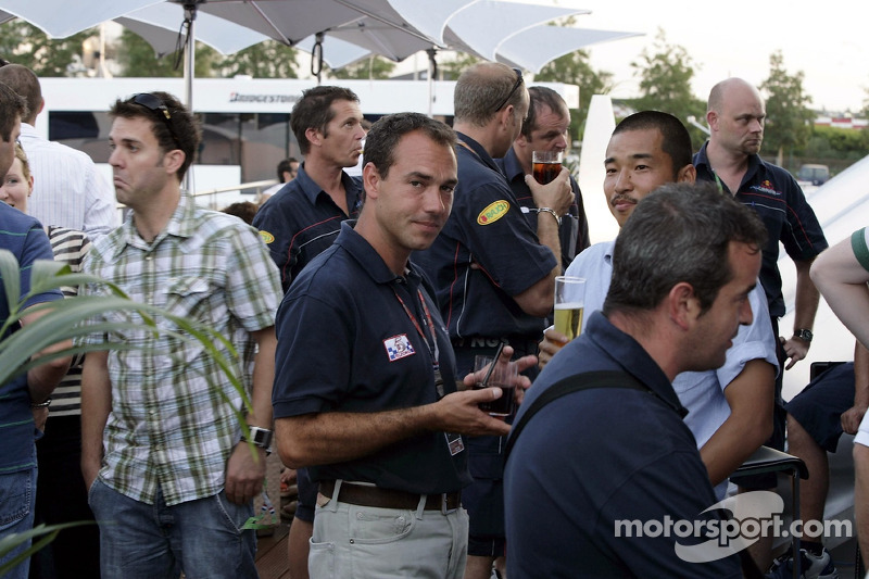 Red Bull le jeudi : des membres de l'équipe Red Bull Racing et des invités