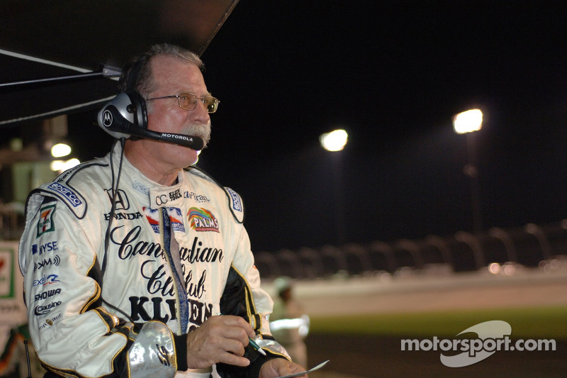Le stratège de course John Anderson