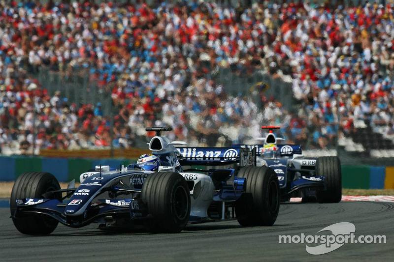 Nico Rosberg devance Mark Webber