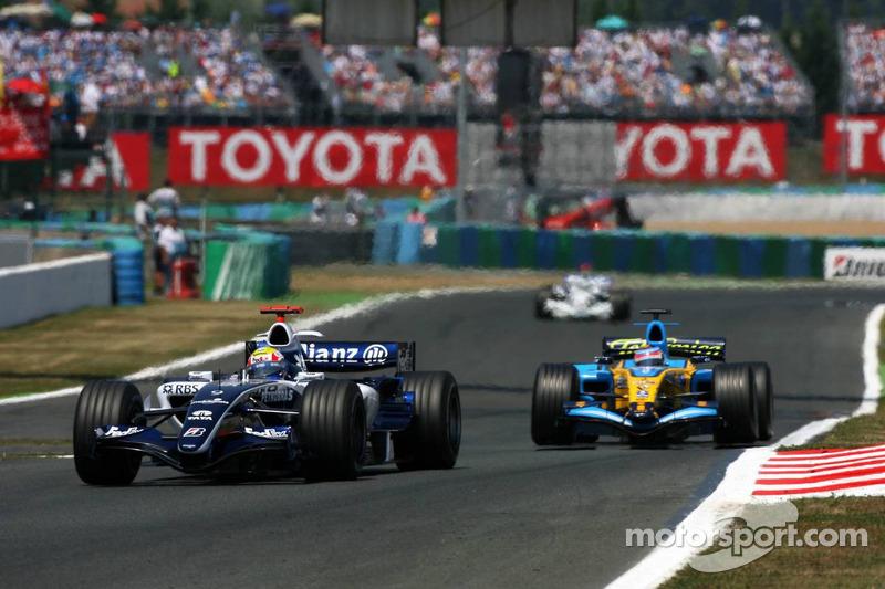 Mark Webber devance Giancarlo Fisichella