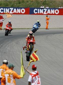 Marco Melandri celebra su segundo lugar